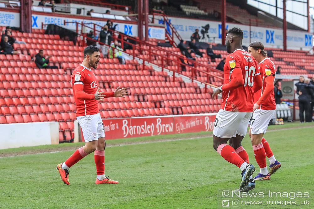 Alex Mowatt #27 of Barnsley celebrates his goal to make it 1-0 as he scores direct from a corner