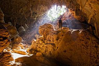 Explorador de la cueva