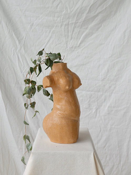 Woman vase in sand no.1