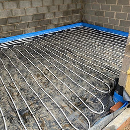 Wet underfloor heating pipes