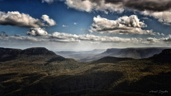 Clouds-Above-The-Blue-Mountains