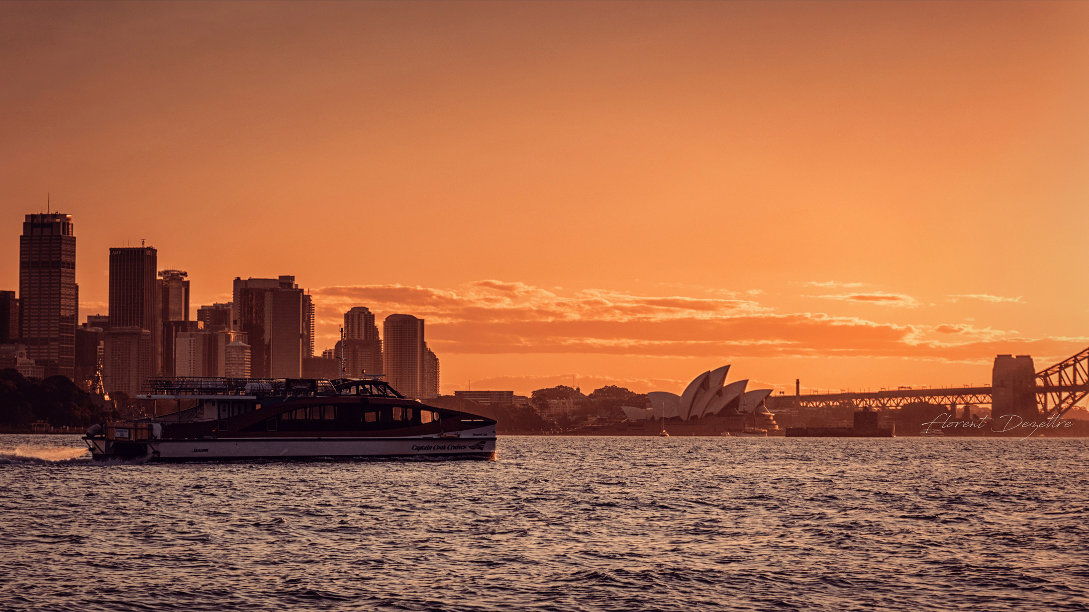Fast-Ferry-Sunset