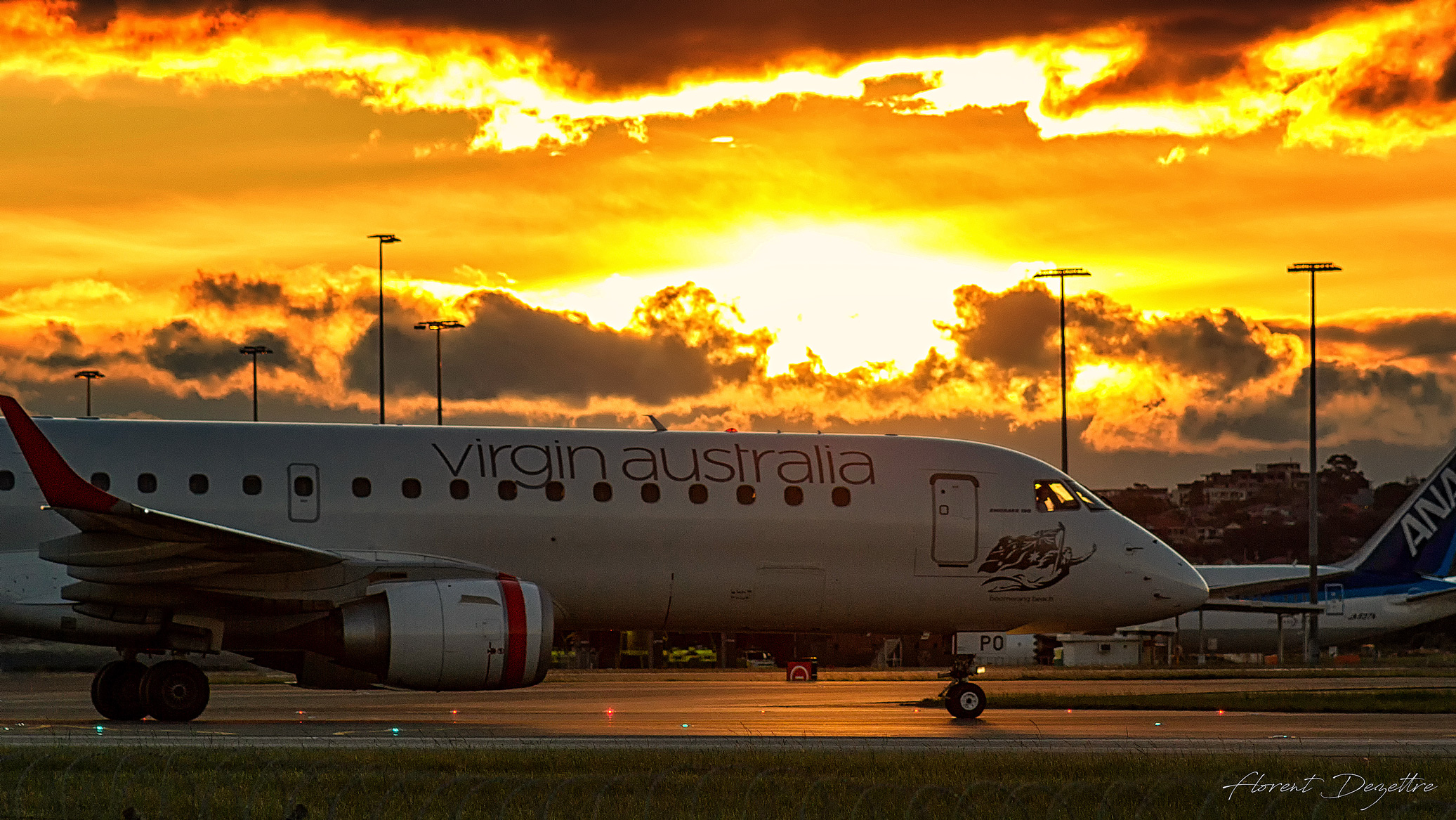 Embraer-190-Sunset-Taxi