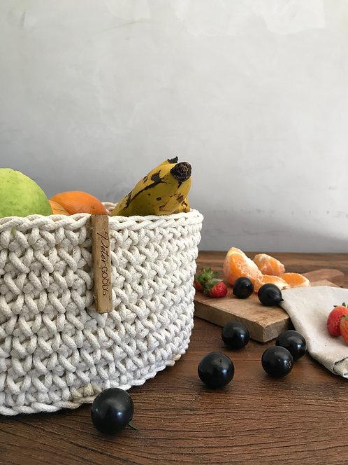 cesta fruteira em croche feito com cordão de algodão