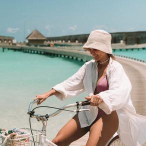 Uma bolsa de crochê com destino certo: Maldivas.