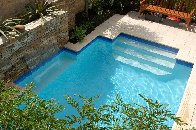 Custom Swimming Pool & Landscaping