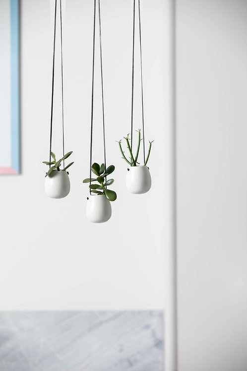 Zakkia Hanging Pod (White) Set of 3