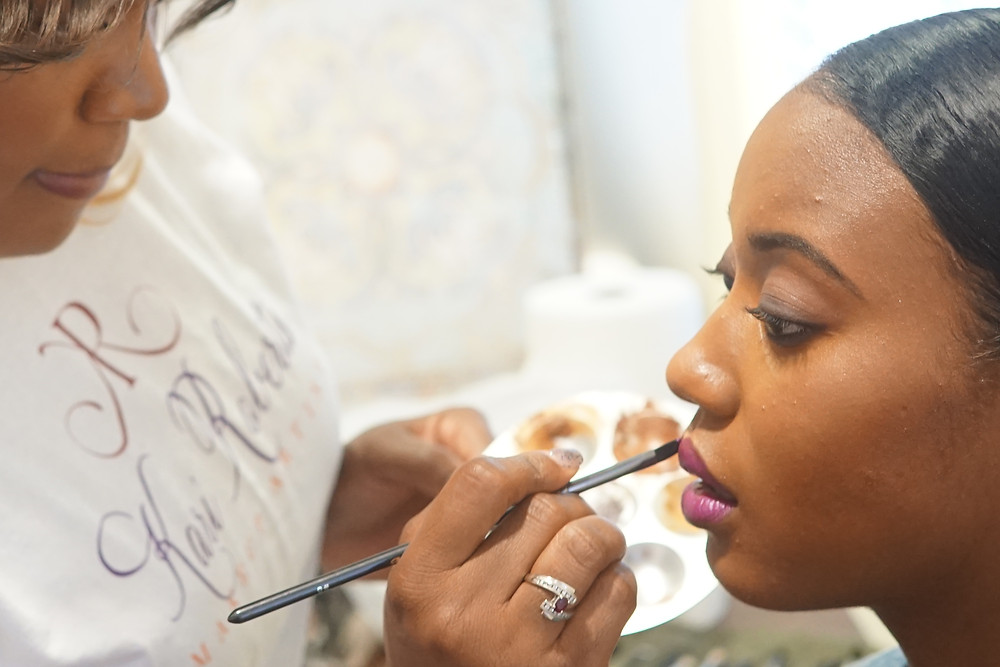 Kari Roberts does wedding day makeup