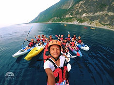 Kayaking on Ocean next to Qingshui Cliff