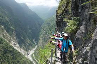 5 hiking Old Trail in Taroko Zhuilu uniq