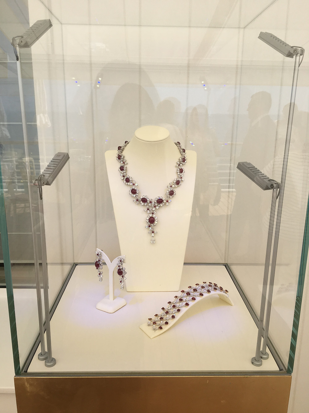 Faidee ruby jewellery - auction item Amend Cannes charity luncheon 2018