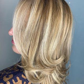 💁🏼♀️ BAMM & She's Blonde Again  #hair