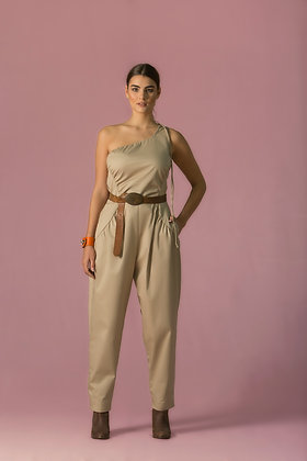 Slim-illusion Jumpsuit.
