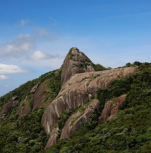 Pedra-das-Flores-Pedra-Cume1-900x600.jpg