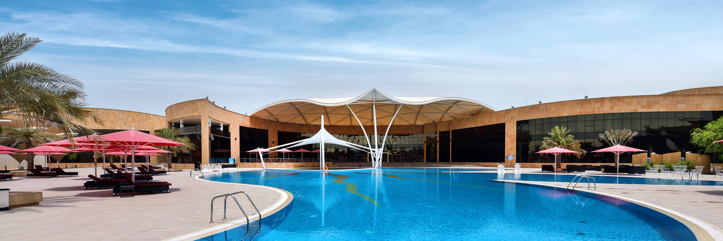 Abu Dhabi Ladies Club External Pool