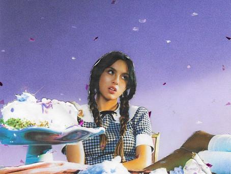 """Com """"Sour"""", Olivia Rodrigo mostra a que veio"""