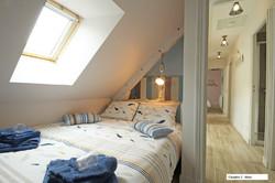 Chambre 2 bleue - Pare soleil et moustiquaire