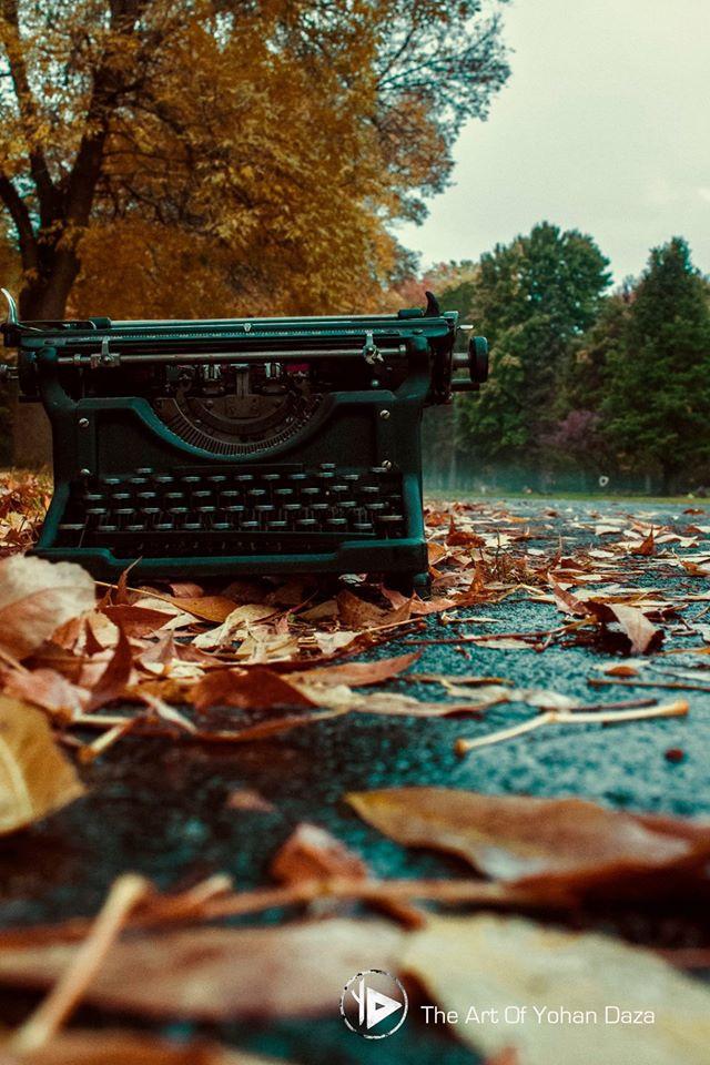 typewriter2.jpg
