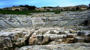 2500 anni fa ... Una sera al teatro.