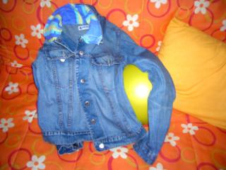con qualche ritaglio di stoffa il vecchio giubboni Jeans rinasce