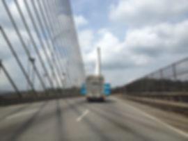 Piscina de deopiscinas pasando por el puente de las americas