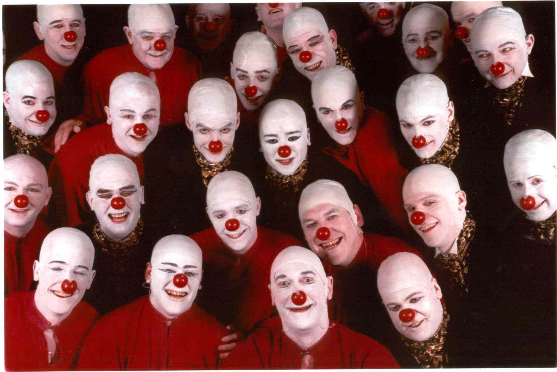 VO Aida - Red Nose
