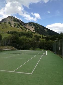 tenniscourtnearthehouse