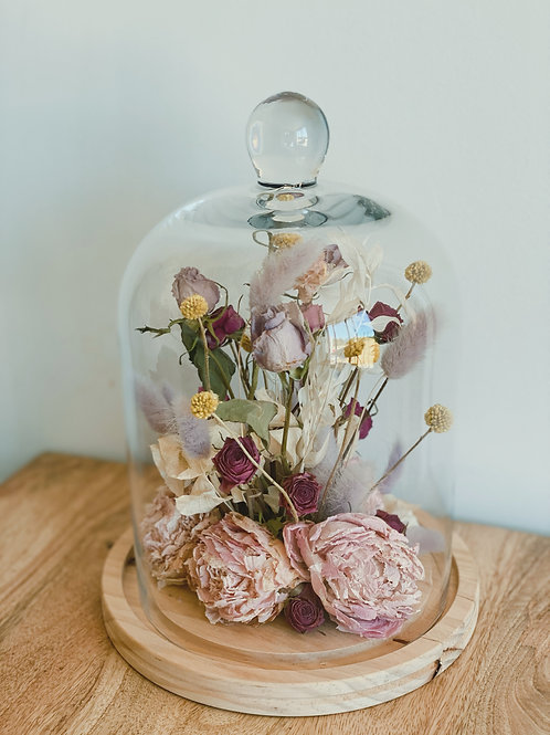DRIED ARRANGEMENT IN GLASS CLOCHE