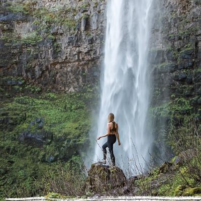 chasing-water-falls-in-oregon-norcal.jpg