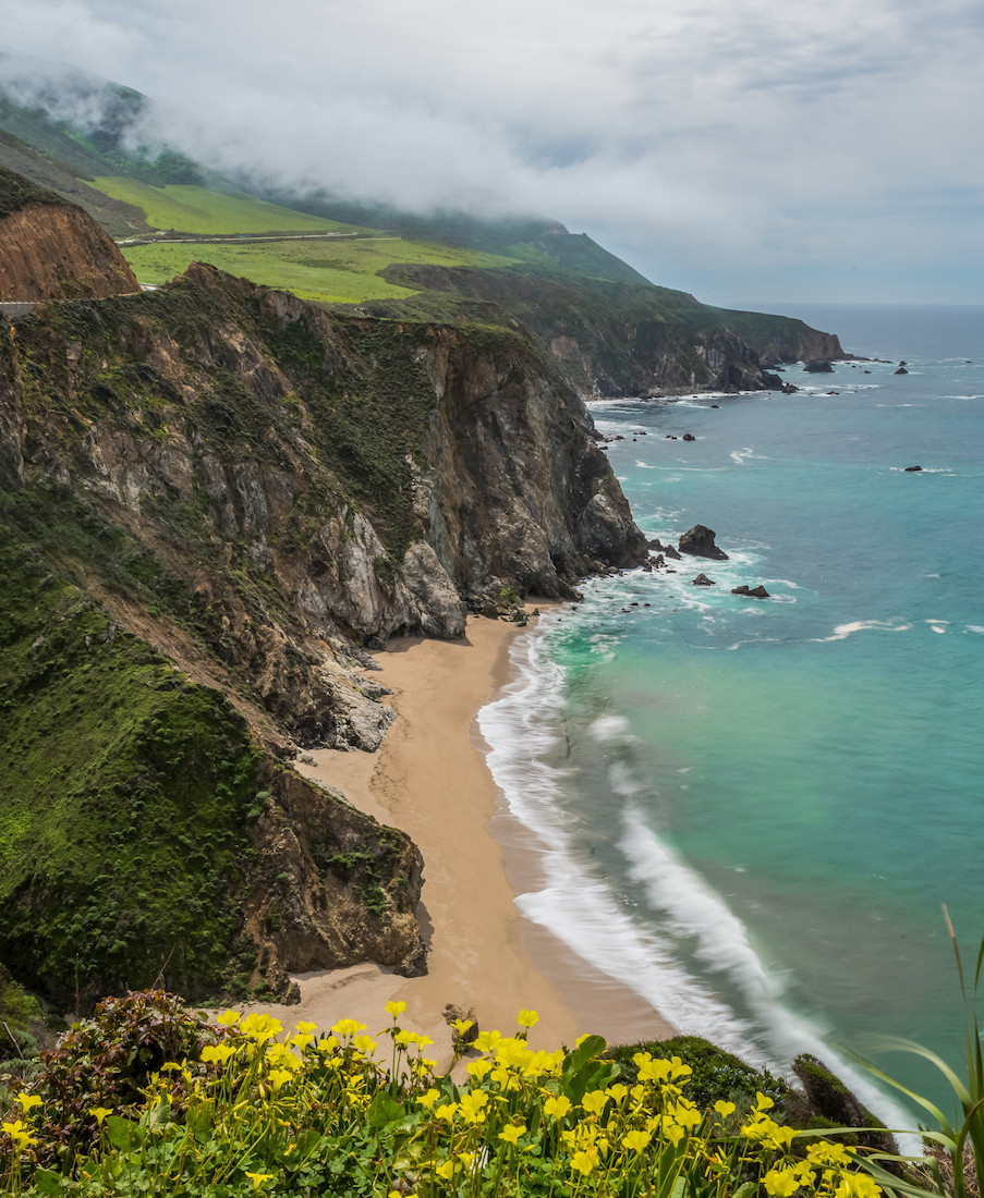 Rolling fog and amazing views at Bixby Creek Bridge, Big Sur California, pacific coast highway
