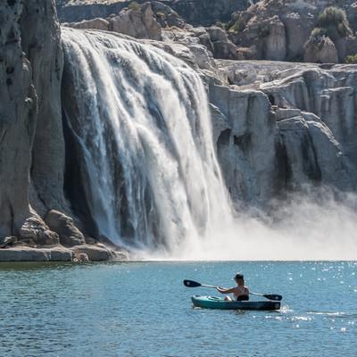 kayaking to shoshone falls in twin falls iadaho