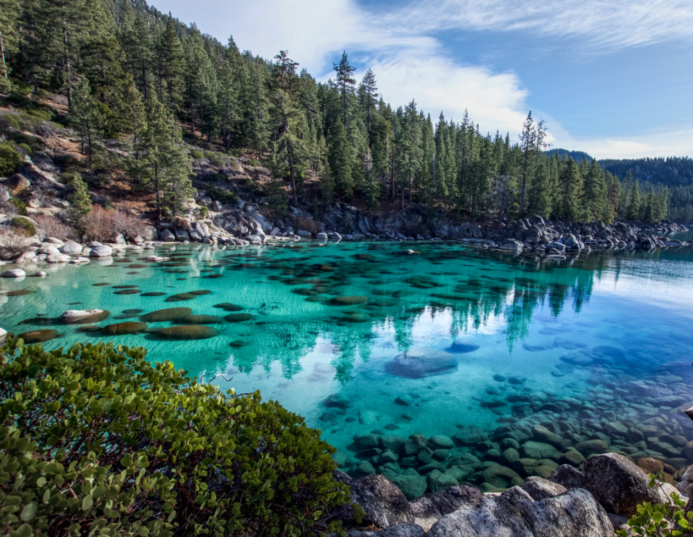 turquoise water at secret cove lake tahoe nevada