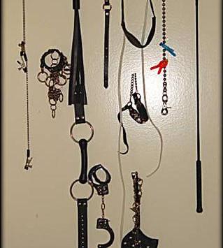 handcuffs crop floggers