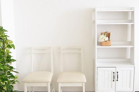 キャビネット+椅子(52KB).jpg