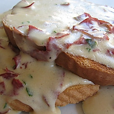 Homemade Chipped Beef with Gravy