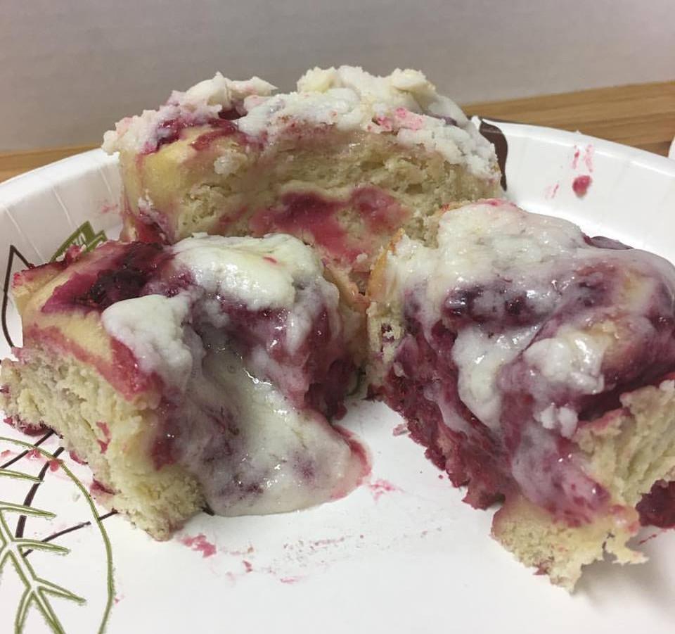 raspberry cheese buns.jpg