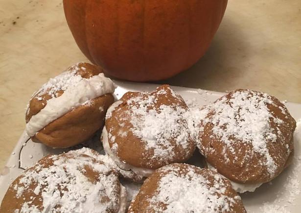 pumpkin whoopie pies.jpg