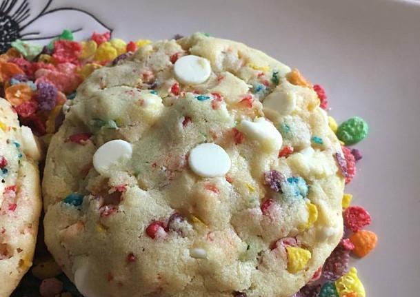 fruity pebble cookie.jpg