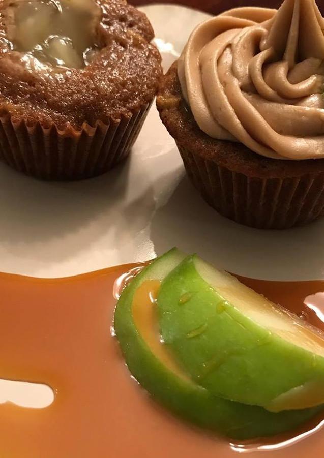 caramel apple cupcakes.jpg