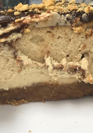 peanut butter cheesecake.jpg