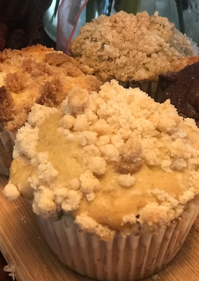 crumb cake muffins.jpg
