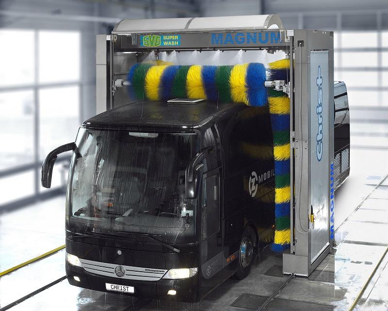 MAGNUM_SVG_Bus_hinten_oben