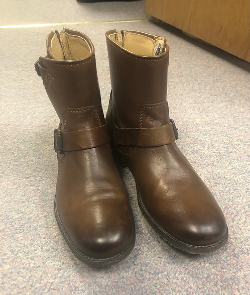 Frye size 9 ankle boots!