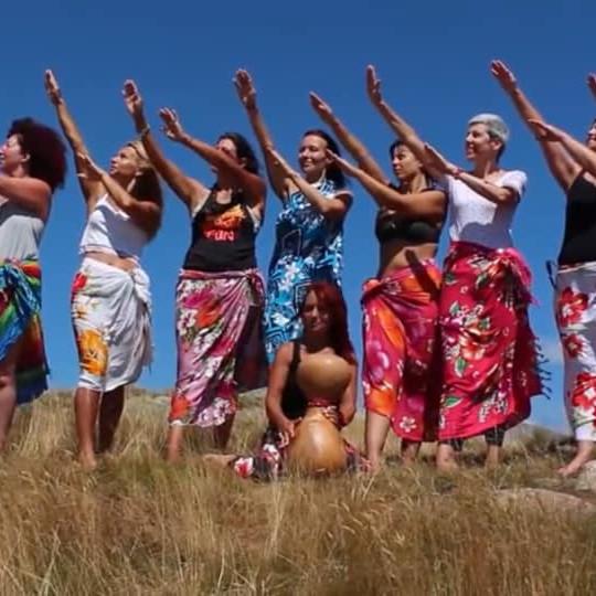 Danza Hula-Chants