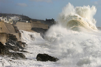 Huge wave Porthleven Cornwall