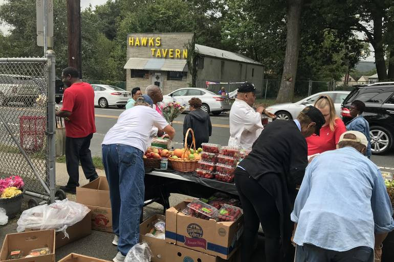 Vauxhall Pop-Up Pantry Helps Those in Need