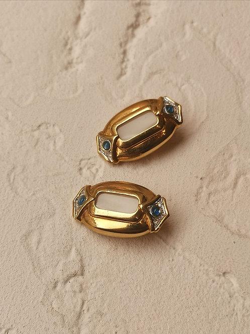 Nacre clip earrings