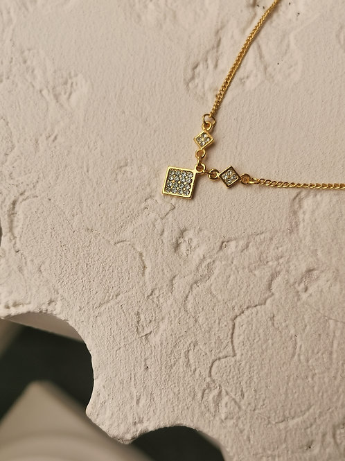Paved squares chain
