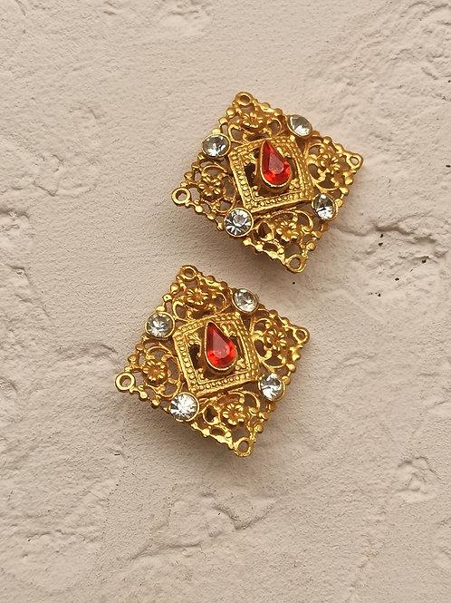 Openwork stones earrings