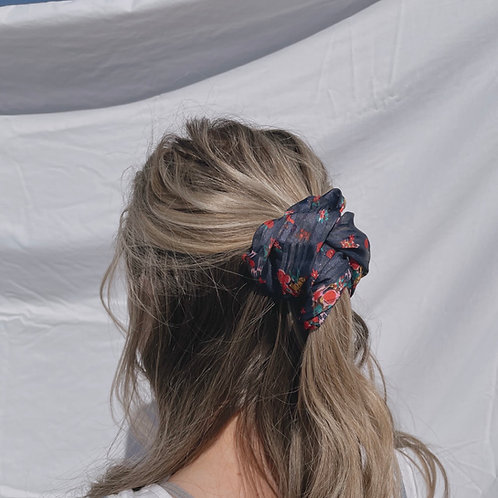Madi Oversized Scrunchie